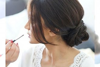 TOP 20 eleganckich upięć z włosów dla charyzmatycznych brunetek oraz szatynek