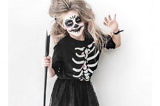 Kostiumy na Halloween dla dziewczynki. Jak pomysłowo przebrać dziecko na Halloween? ZOBACZCIE!