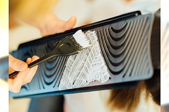 Imprinting - nowy trend w farbowaniu włosów. Gdzie w Polsce wykonać taką koloryzację?