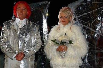 Michał Wiśniewski i Mandaryna 15 lat temu wzięli ślub! Pamiętacie ten jego słynny SREBRNY GARNITUR?!