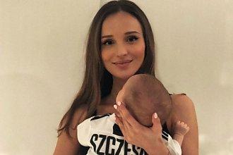 Marina pozuje W BIKINI i z Liamem na rękach! Fani: Ale jaka figura po ciąży, WOW!
