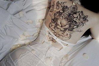 Tatuaż na plecach - 20 najpiękniejszych wzorów dla kobiet
