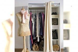 Jak mądrze kupować ubrania? Poznaj zasady kompletowania kobiecej garderoby