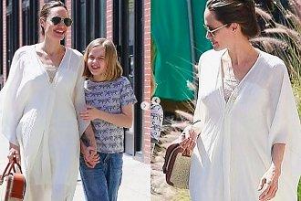 """Angelina Jolie """"ukrywa wychudzone ciało pod prześcieradłem"""". Ma cieńsze nadgarstki od swojej 10-letniej córki!"""