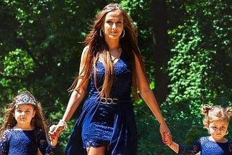 Eliza Trybała z córkami w niemal identycznych sukienkach! Zakochacie się w ich stylizacjach