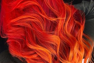 Trend w koloryzacji włosów 2019: FIRE SUNSET. Nie ma modniejszych rudości niż ten fenomenalny miks!