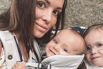 """Anna Wendzikowska zmaga się z falą hejtu ze strony innych matek. Internauci: ,,Zajmij się w pełni dziećmi, a nie tylko pozuj i pisz"""""""