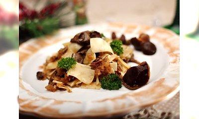 Przepis kulinarny na łazanki z kapustą i grzybami