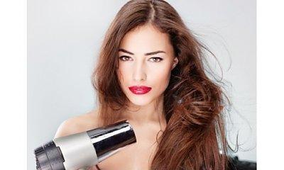 Naturalne sposoby na regenerację włosów