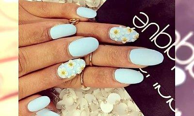 Niebiański manicure: paznokcie w kolorze baby blue