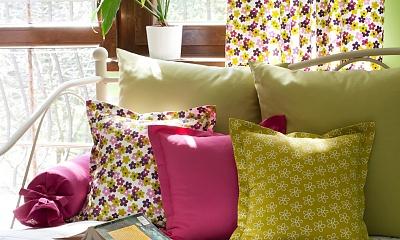 Wybieramy stylowe poduszki dekoracyjne do salonu i sypialni