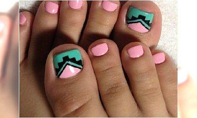 Robimy pedicure na wiosnę! Oto modne wzorki na paznokcie u nóg