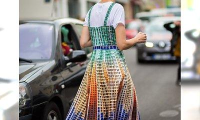 Podpowiadamy, jak nosić letnie sukienki zimą - Inspiracje Street Style