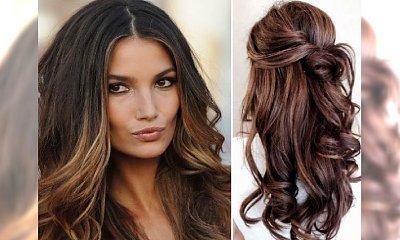 Piaskowe refleksy na ciemnych włosach. Subtelne rozjaśnienie na letni sezon