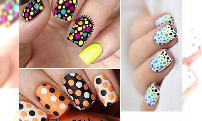 Manicure w kropki - urocze, kolorowe propozycje na letni wyjazd