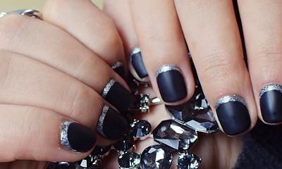 Jesienne paznokcie: czarny mat i srebrne zdobienie (tutorial)