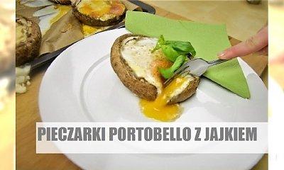 Zapiekane pieczarki portobello z jajkiem