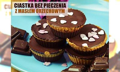 Ciastka z masłem orzechowym, czekoladą i olejem kokosowym bez pieczenia