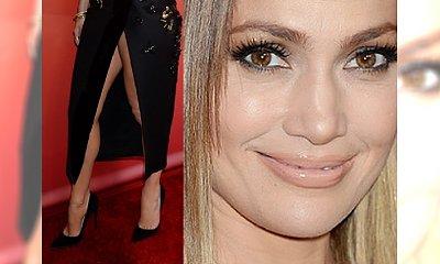 WOW! Odważna kreacja, głęboki dekolt i... nowa fryzura. Jennifer Lopez kusi sex appeal'em!