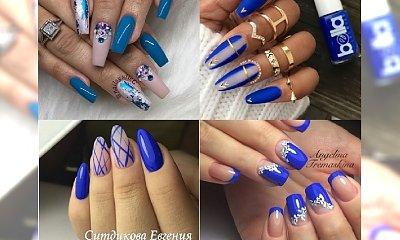 Błękit, kobalt i inne odcienie niebieskiego na paznokciach z ciekawymi zdobieniami. Galeria perełek