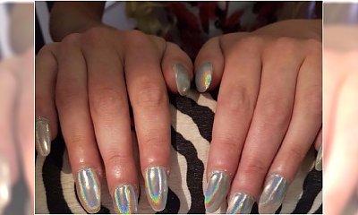 Klientka chciała mieć zaokrąglone paznokcie. Zobaczcie, co zrobiła jej manikiurzystka. PARSKNIĘCIE ŚMIECHEM na widok tego koszmaru!