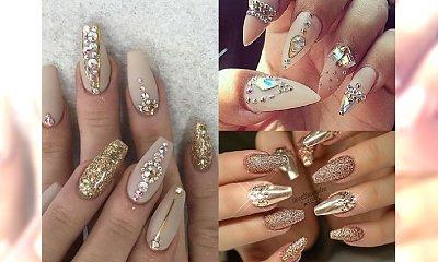 Blasku nigdy za wiele! Piękne inspiracje na bogato zdobiony manicure w odcieniach złota