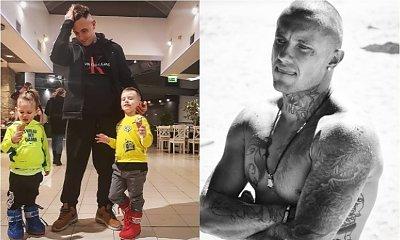 """Polski raper opublikował nagie zdjęcie swoich dzieci. Nie rozumie, co zrobił źle. """"Ludzie, czy wy jesteście normalni?"""""""