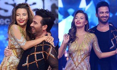 Taniec z Gwiazdami: Julia Wieniawa w ultra krótkiej złotej mini wskakuje na Stefano! Co za rozkrok!