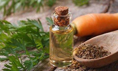 Odmładzający olej z nasion marchwi - prosty sposób na piękną skórę!