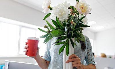 """""""Mąż dał koleżance kwiaty na walentynki. Ja nie dostałam nic. Jego tłumaczenia są żenujące"""""""