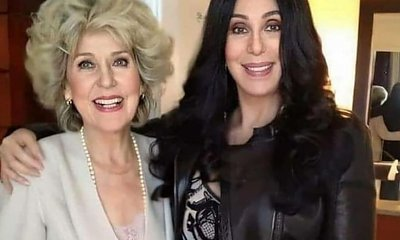 Cher pozuje z mamą, która wygląda jak jej równolatka! Będziesz w szoku, gdy poznasz jej wiek
