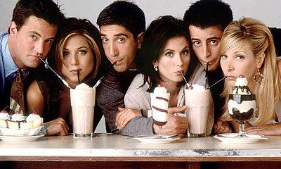 """Kultowy serial """"Przyjaciele"""" mógł wyglądać zupełnie inaczej! Jakie pomysły odrzucono w trakcie realizacji?"""