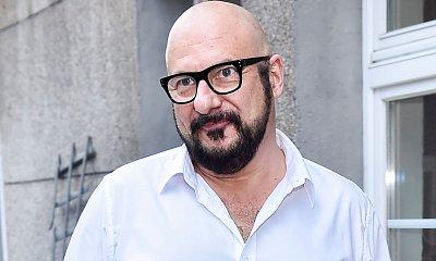 Piotr Gąsowski w długich, kręconych i czarnych włosach! Wygląda jak Włoch! Jak on to zrobił?