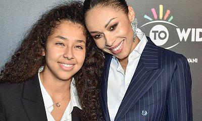 19-letnia córka Omeny Mensah pochwaliła się piękną dziewczyną. Ależ one na siebie patrzą!