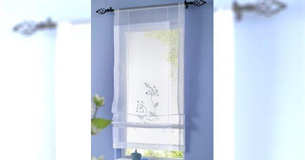 Jasne błękitne okna