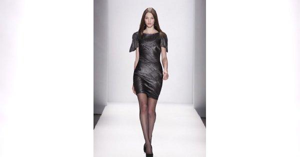 Suknie projektu Tadashi Shoji