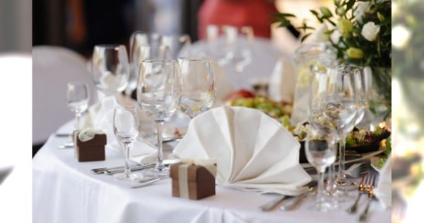 Jak usadzić gości przy weselnym stole