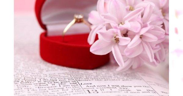 Wybór pierścionka zaręczynowego – tradycja czy nowoczesność?