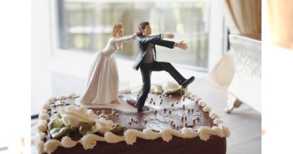 Zabawne figurki ślubne – kicz czy nowoczesny trend?