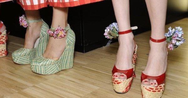 Kolorowe buty na letnią imprezę