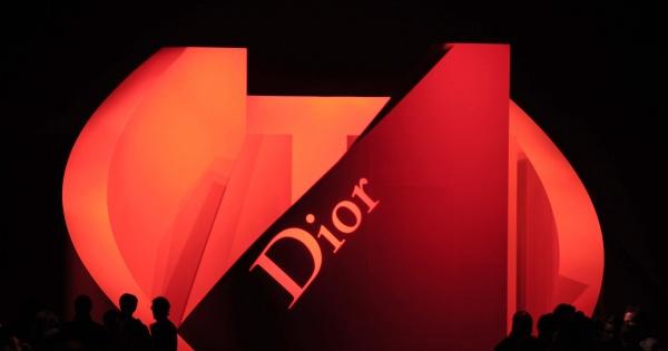 Stylowa tapeta - Christiana Diora