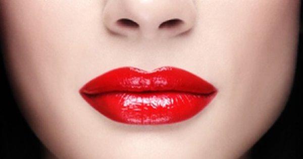 Wieczorowy makijaż – wyraziste szminki