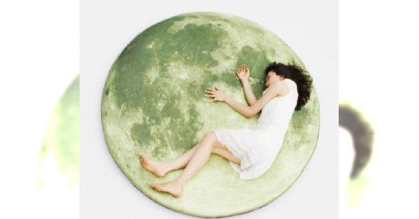 Sen na księżycu?