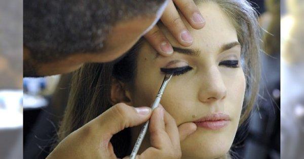 Jak powiększyć oko za pomocą eyelinera?