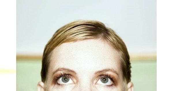 Jak zmniejszyć zaczerwienienie oczu?