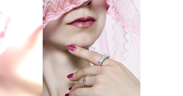 Jak dbać o skórę szyi przed Sylwestrem?