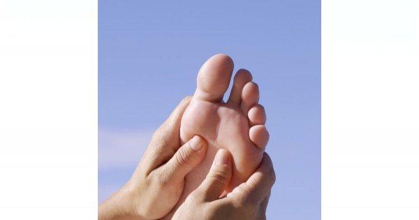 Jak wykonać masaż stóp?
