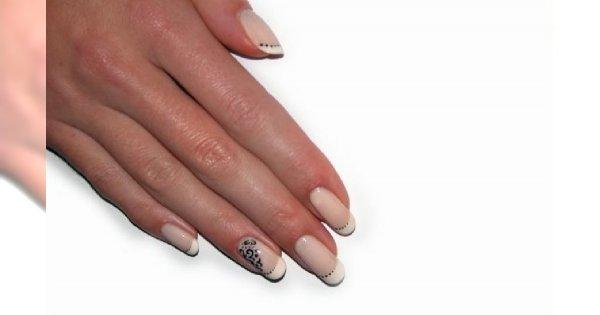 Jak wygląda nakładanie żelowych paznokci?