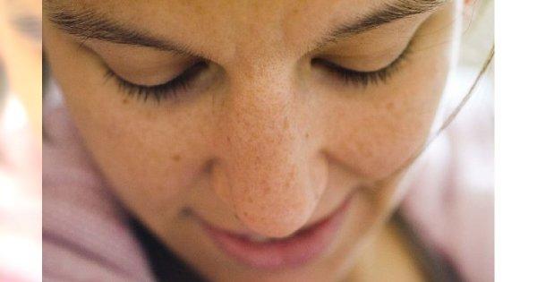 Jak zrobić makijaż przy cerze naczynkowej?