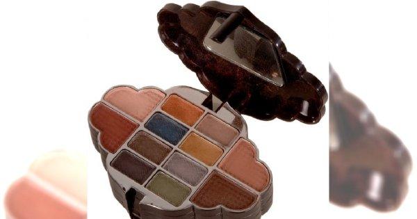Jak dobrać kolor cieni do wieku?